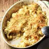 Crispy cauliflower stuffing in oval dish.