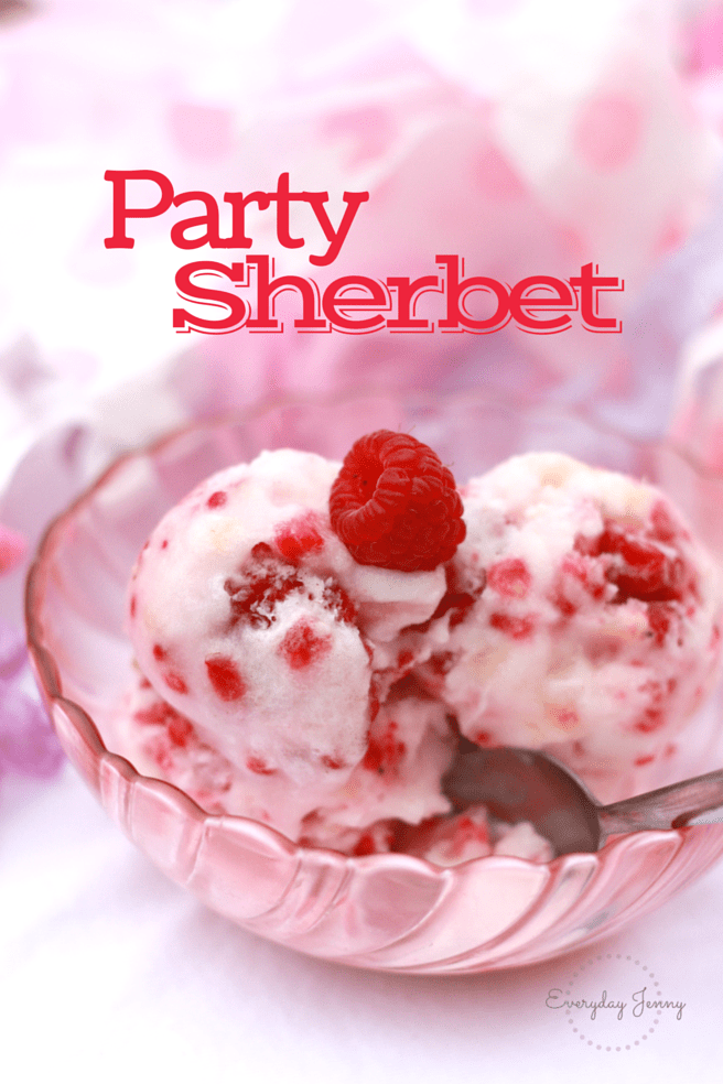 The perfect party treat, only three ingredients, super easy to make and always a crowd pleaser. Recipe at everydayjenny.com