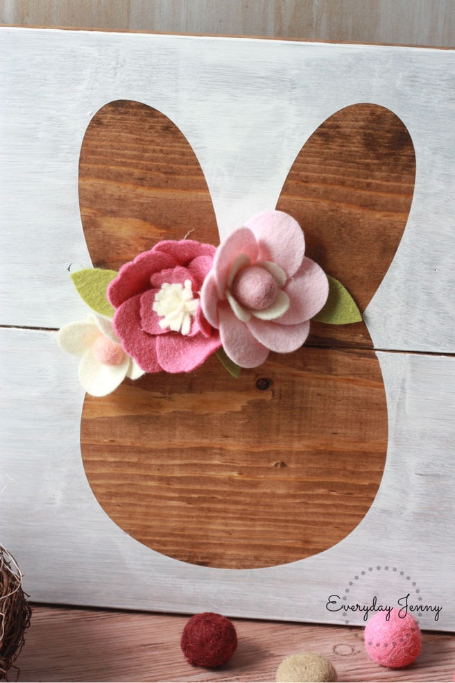DIY Wood Easter Bunny Sign made with Cricut and Felt Flowers