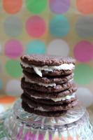 "Easy Homemade ""Oreos"" – Chocolate Sandwich Cookies (vegan adaptable)"