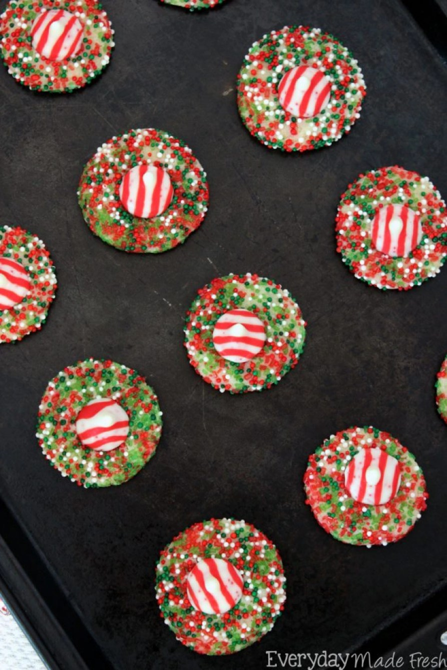 Sure to become your favorite Christmas cookie, these Peppermint Crunch Sugar Cookies are so easy to make, super fun, and quite tasty! | EverydayMadeFresh.com