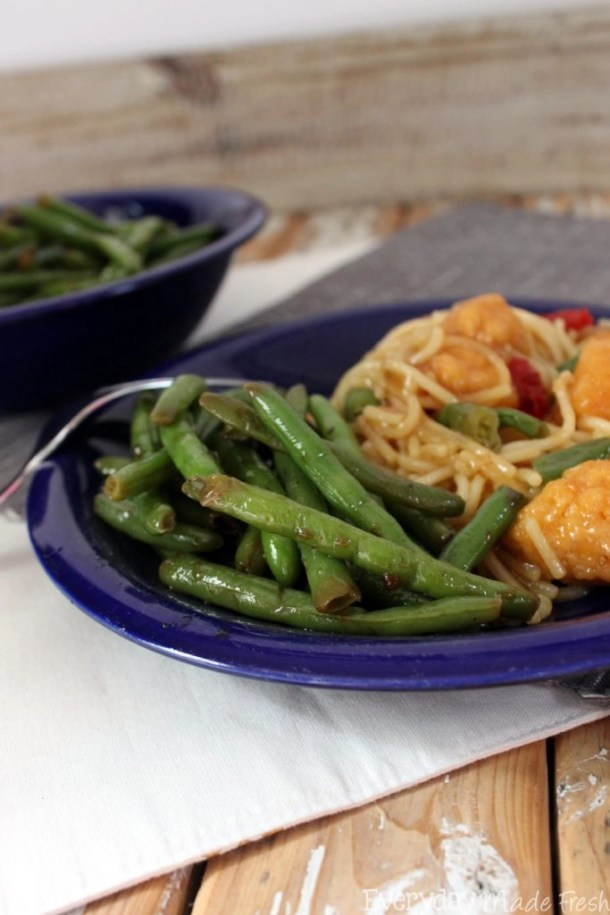 Spicy Asian Green Beans is flavor packed healthy option that is an excellent side dish. It takes less than 10 minutes and you'll love how simple it is. #LeanCuisine #ad | EverydayMadeFresh.com