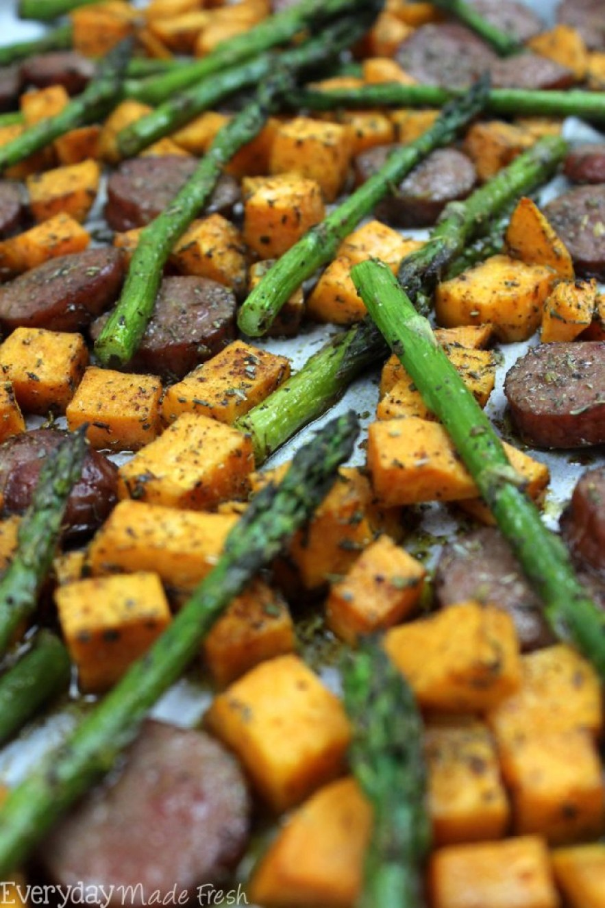 This Sheet Pan Sausage, Asparagus, and Sweet Potato is ready in less than 20 minutes. Flavor packed with herbs, it's a healthy meal that is perfect any night of the week. | EverydayMadeFresh.com