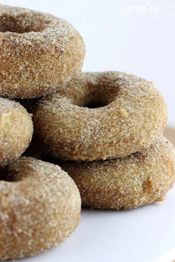 Bake up these Chai Spiced Donuts in no time with this easy recipe. These are the perfect weekend breakfast! | EverydayMadeFresh.com