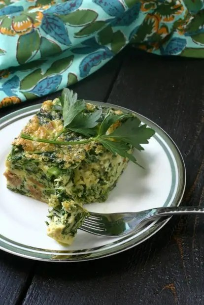 Paleo Breakfast Casserole. Chicken Sausage, Broccoli Rabe and Shallots from www.everydaymaven.com
