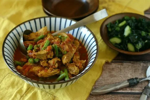 Chicken, Tomato & Green Bean Curry from www.EverydayMaven.com