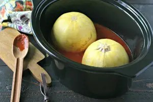 How To Cook Spaghetti Squash In The Slow Cooker from www.EverydayMaven.com