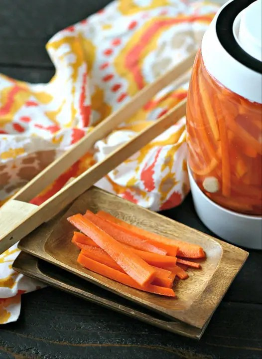 Fermented Garlic Carrot Sticks from www.EverydayMaven.com