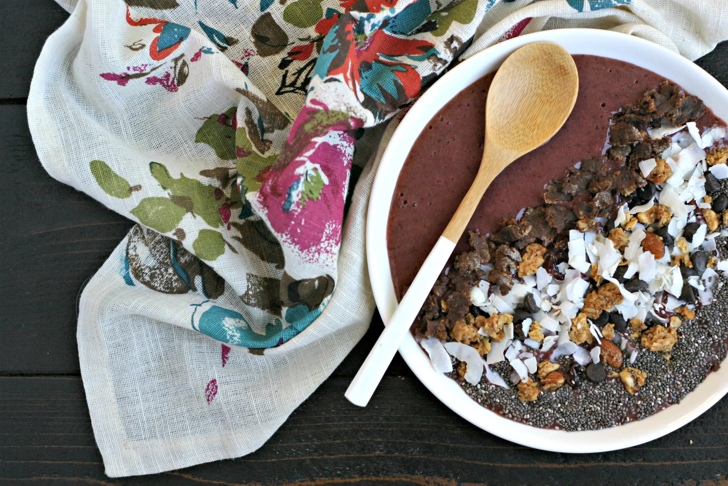 Cherry Chocolate Smoothie Bowl from www.EverydayMaven.com