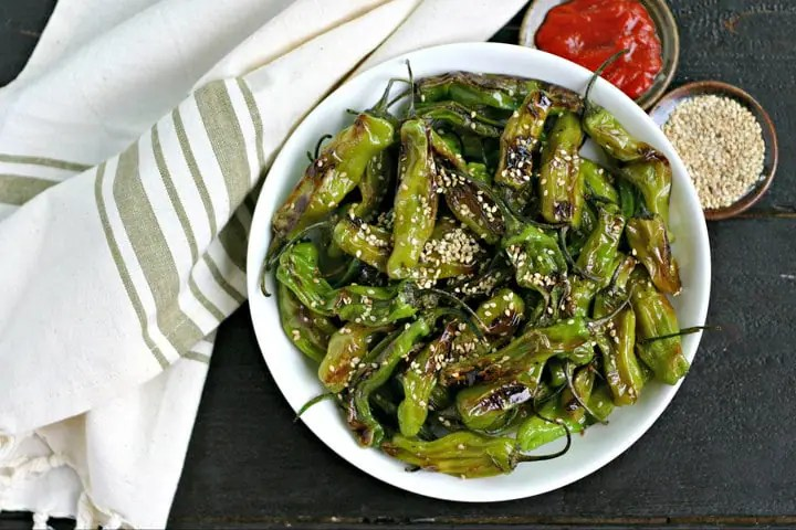 Sesame Blistered Shisito Peppers from www.EverydayMaven.com