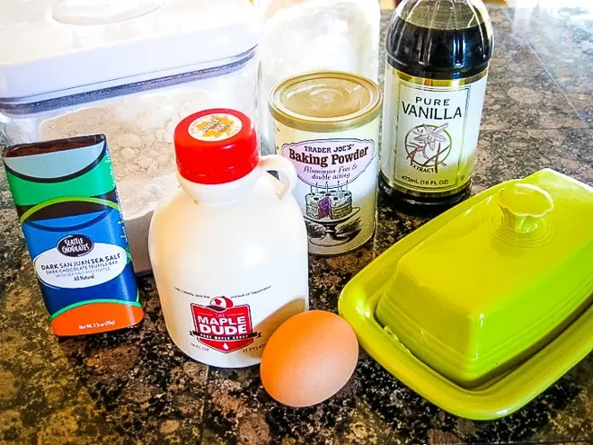 ingredients to make maple microwave cake