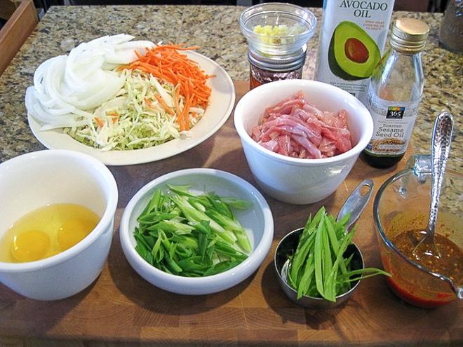 prepped ingredients to make homemade gluten free singapore rice noodles