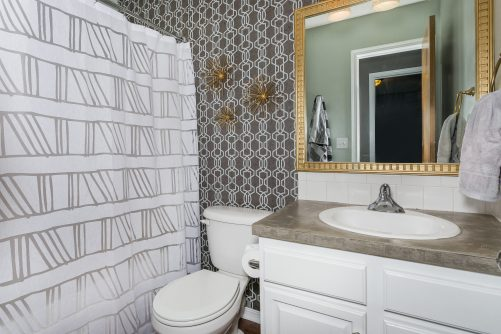 4314 N Dellrose Cir Wichita KS-print-018-2-Bathroom-2500x1667-300dpi