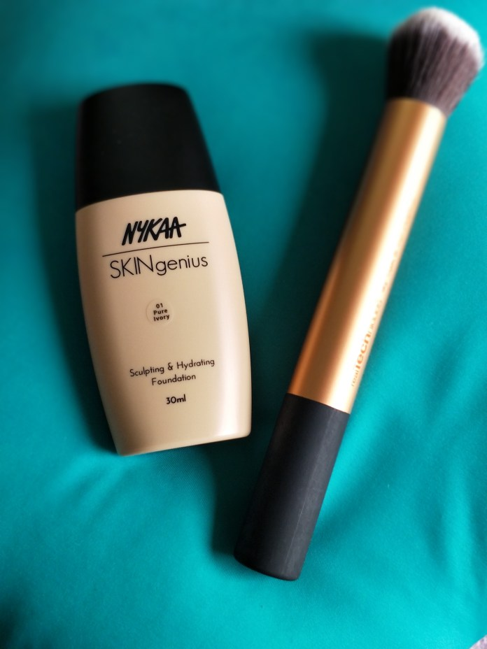 Nykaa SKINgenius Scultping and Hydrating foundation