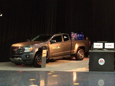 2015-GMC-Canyon-OnStar4G-LTE-E3-Conference-EASportsMadden25-960x640