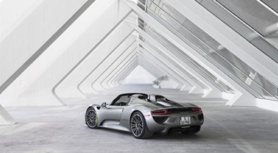 2015 Porsche 918 Spyder on Everyman Driver