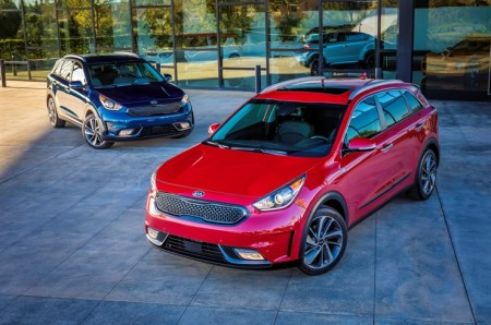 2017 Kia Niro Hybrid Utility Vehicle on Everyman Driver, Dave Erickson