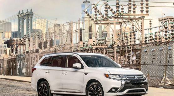 Mitsubishi agregó dos nuevos modelos a su linea de vehículos on Everyman Driver