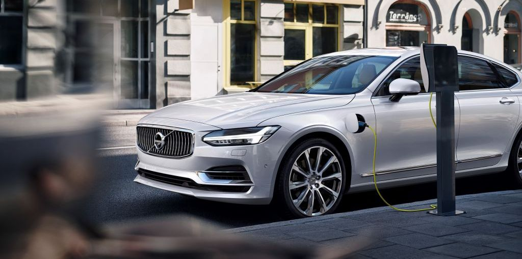 Volvo Cars Aims to Sell 1 Million Electrified Cars by 2025 on Everyman Driver