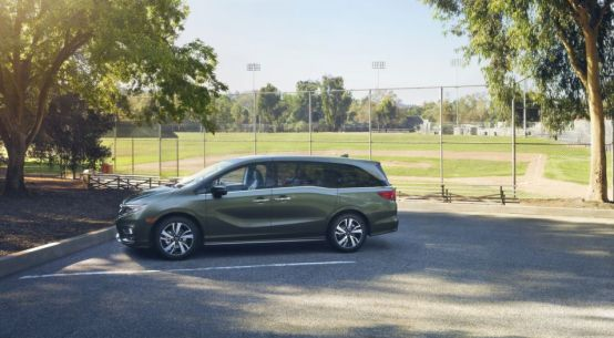 2018 Honda Odyssey Minivan on Everyman Driver with Dave Erickson