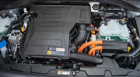 2017 Hyundai Ioniq Hybrid BLUE Drive and Review on Everyman Driver with Dave Erickson