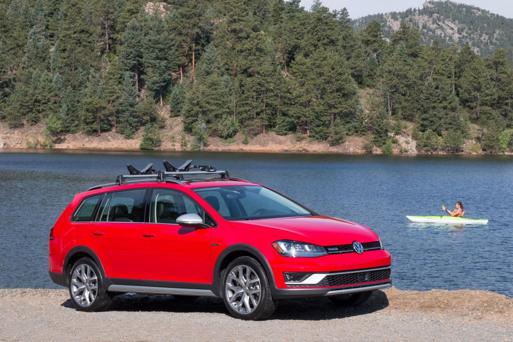 Everyman Driver: 2017 Volkswagen Golf AllTrack Drive and