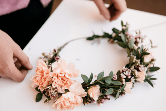 How To Make Fresh Flower Crowns 7 DIY Ideas