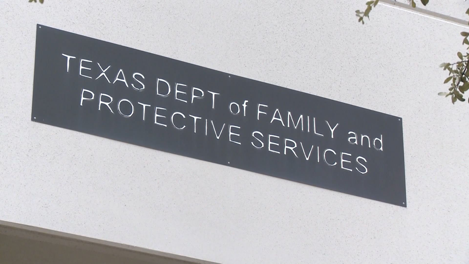 Judge fines Texas $50K a day over 'shameful' foster care
