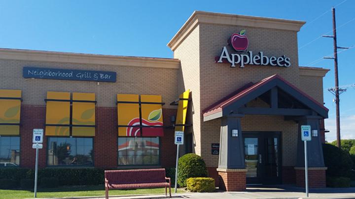Applebee's Closed 4th Milwaukee 720