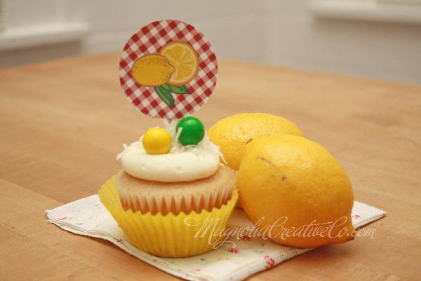 LemonadeStandTopper_MagnoliaCreative