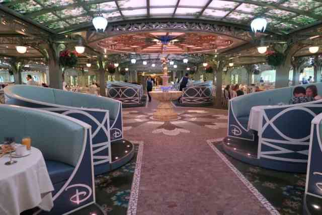 disney cruise dining times