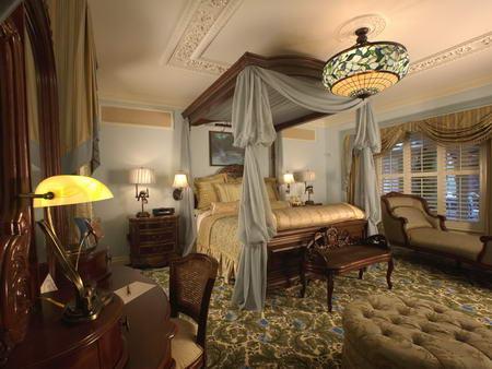 Disneyland Dream Suite