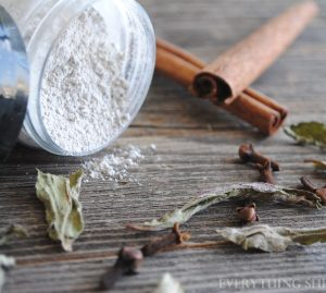 tooth powder, natural tooth powder, natural toothpaste, remineralizig tooth powder, remineralizing toothpaste, bentonite clay