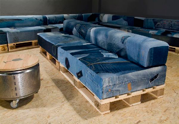 creative-design-Sofas-have-been-covered-with-used-jeans