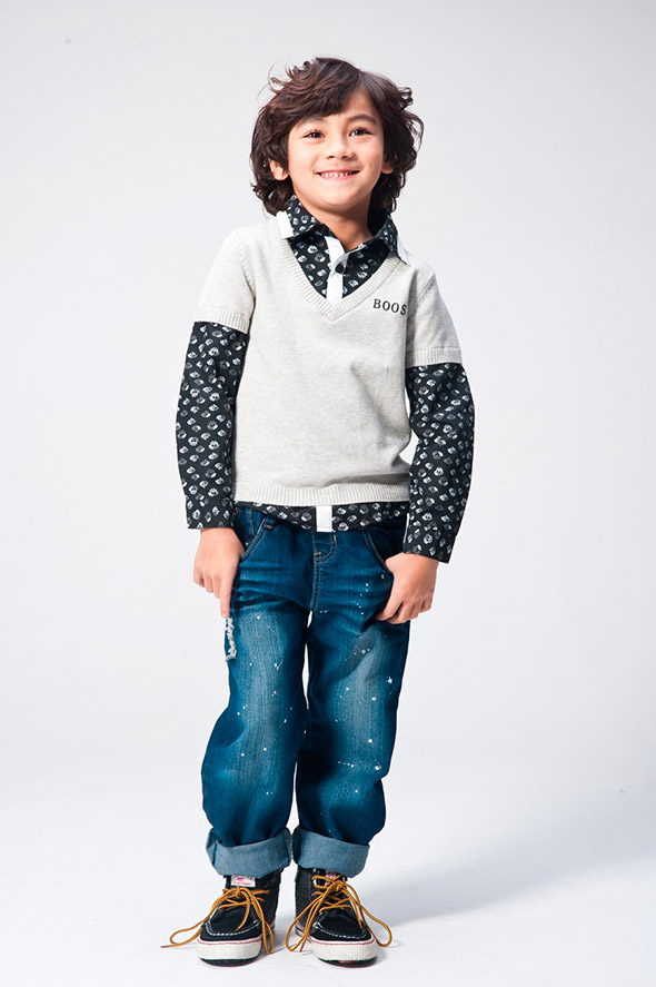 Children's-fashion-jeans-with-white-spots
