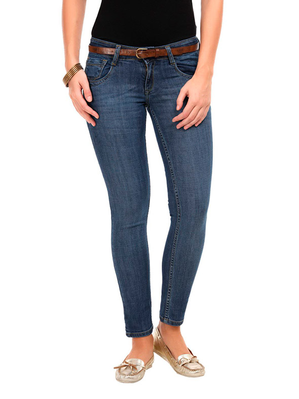 Slim-fit-jeans-for-women