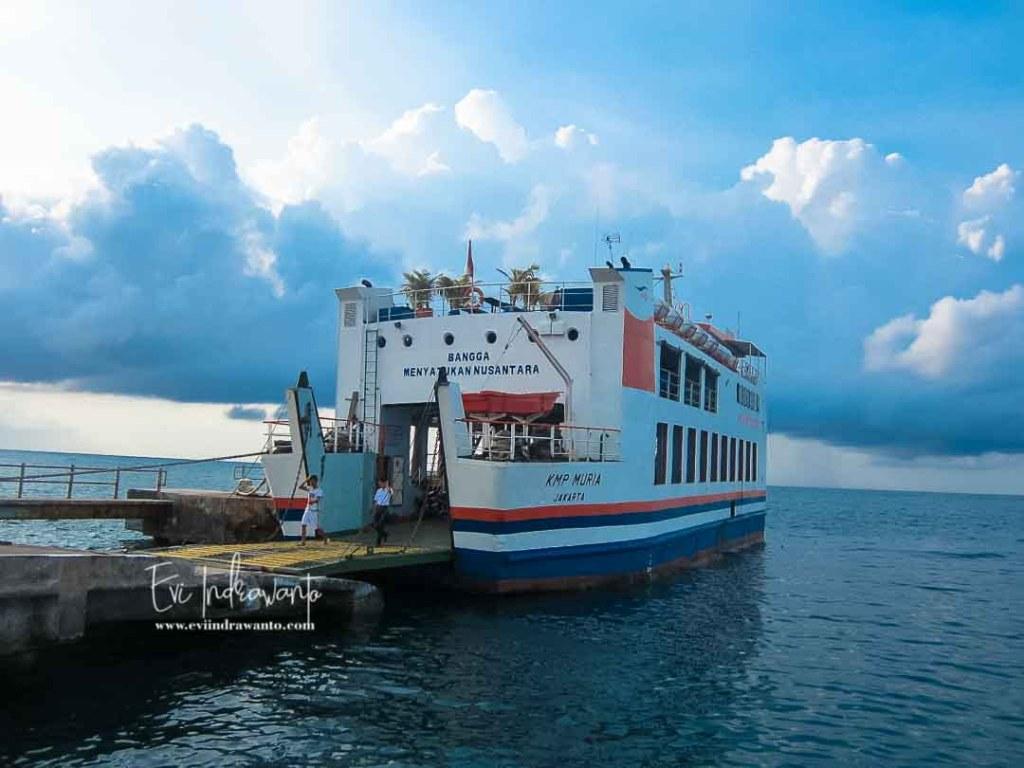KMP Muria kapal penyeberangan Pelabuhan Kartini Jepara-Karimunjawa