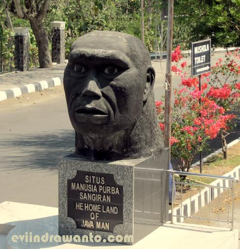 Patung Homo Erectus Arkaik di Situs Purba Sangiran
