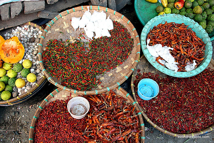 Cabe rawit di pasar tradisional bima