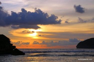 Sunset di Pantai Rantung