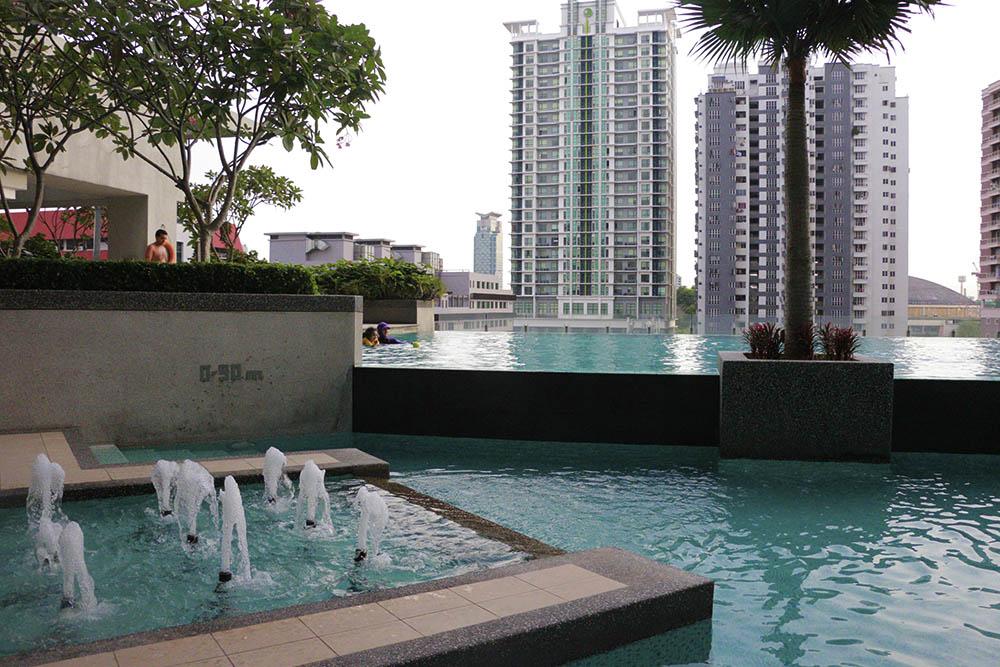 Salah satu kolam renang