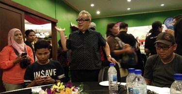 Dato Ismail Ahmad mengucapkan selamat datang
