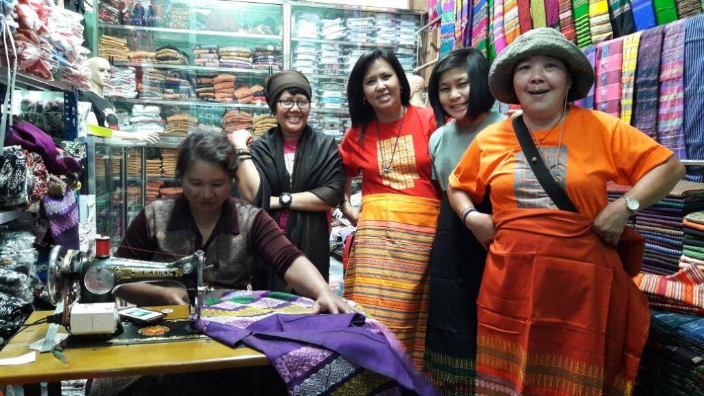 Longyi wanita Myanmar