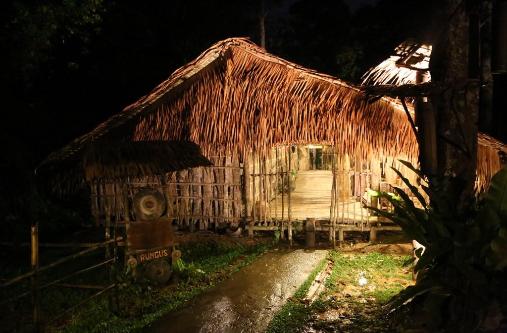foto Rumah Panjang Rungus