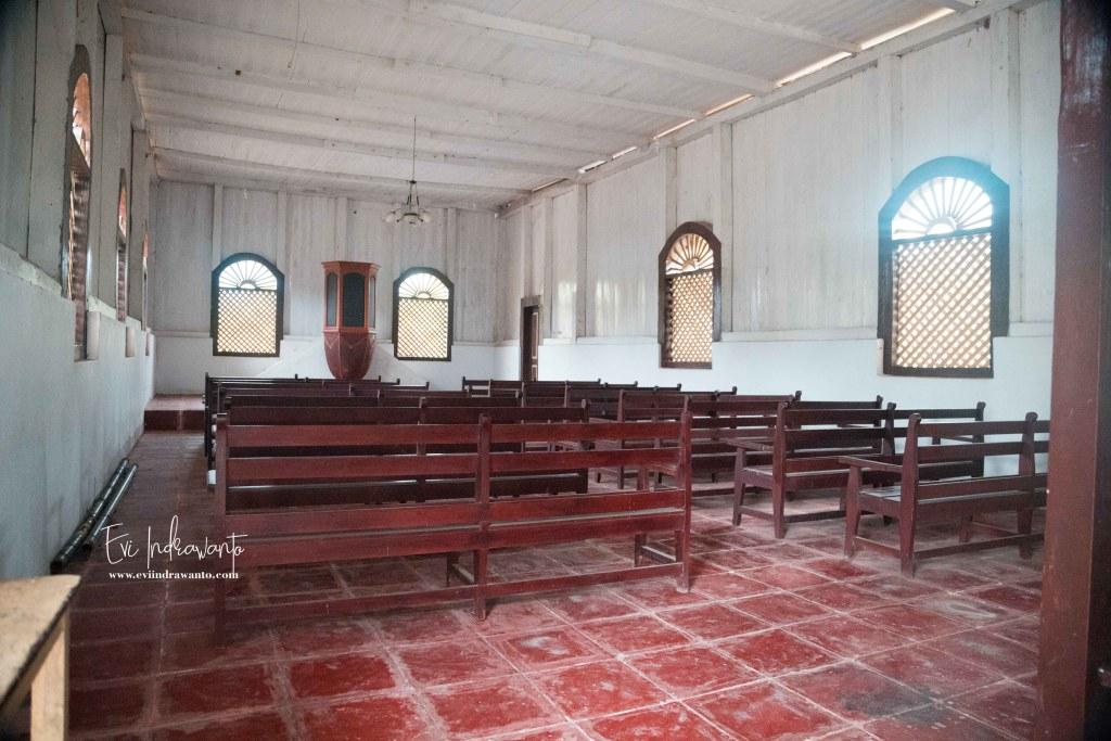 Foto dalam Gereja Tua Imanuel
