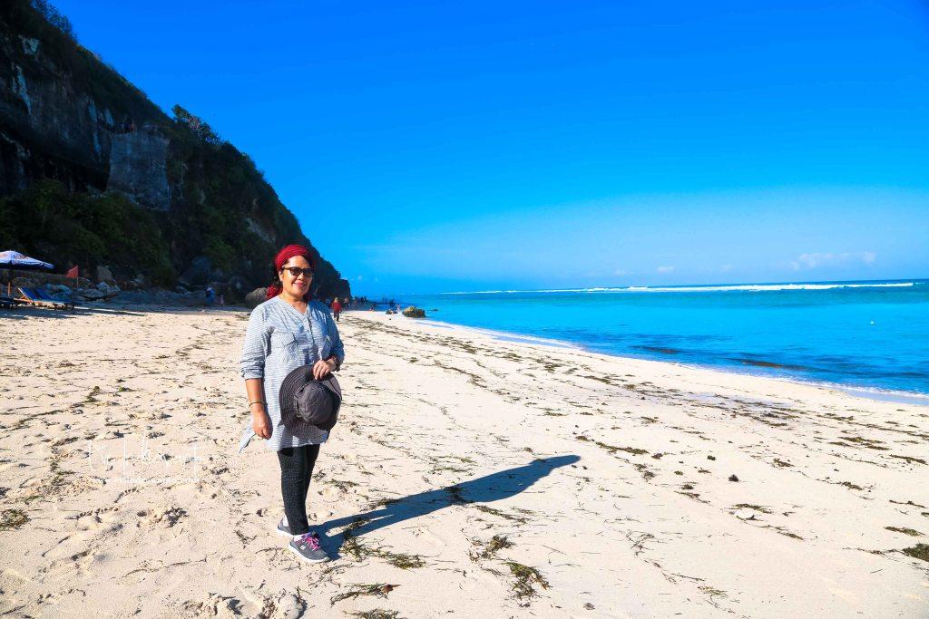Pasir Putih Menghampar untuk 6 Spot Instagramable Pantai Pandawa Bali