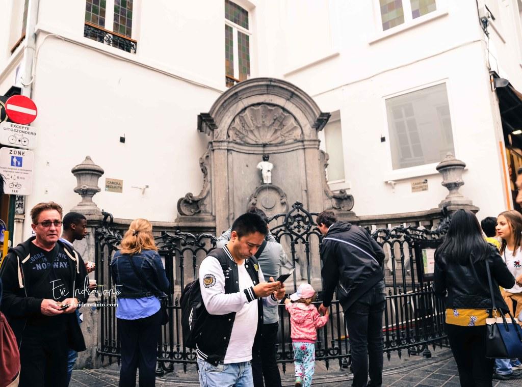 Ribuan turis mengunjungi Manneken Pis tiap tahun