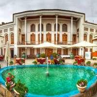 6 Hal Menarik Minum Teh di Dehdashti House Isfahan