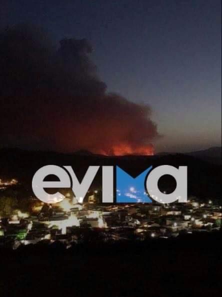 Εύβοια: Εφιαλτική νύχτα στη Λίμνη – Εκκενώθηκε και το χωριό Κουρκουλοί