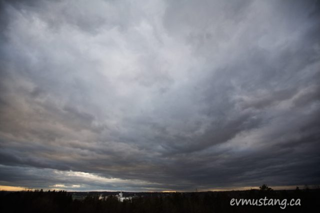 image of huge cloud over Quaker Oats